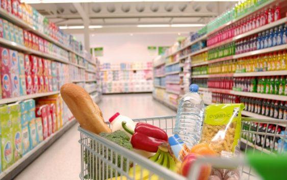 Зголемен прометот со храна, пијалаци, тутун и горива