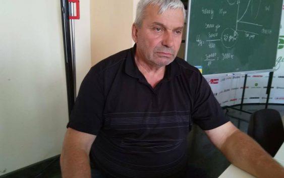 Ако сакаме успех, политиката да ги тргне  рацете од земјоделието, порачува земјоделецот Стеван Стојановски од Долна Чарлија