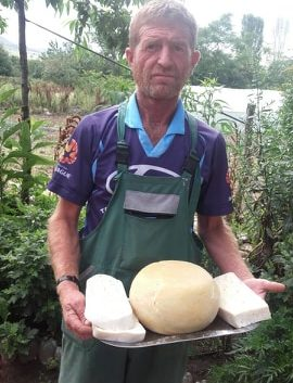 Највкусното бело овчко сирање е кај Реџеп Алиовски од Мусинци