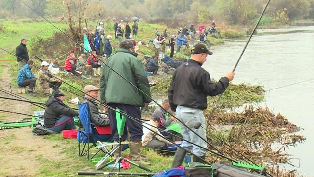 Photo of Почна издавањето на годишни дозволи за риболов во кумановско