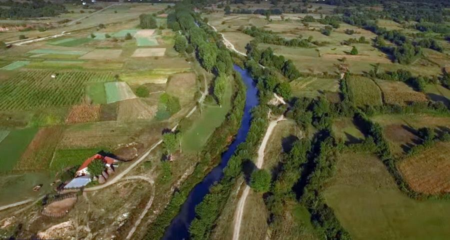 Photo of Со пари од Швајцарија се санира речното корито на Струмица