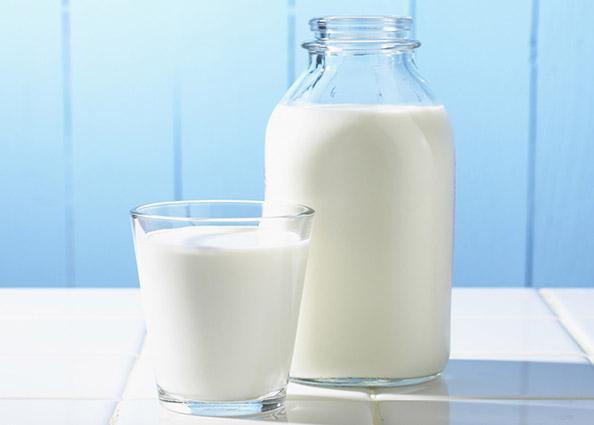 nad 100 000 hektolitri mleko prodadeni vo dekemvri