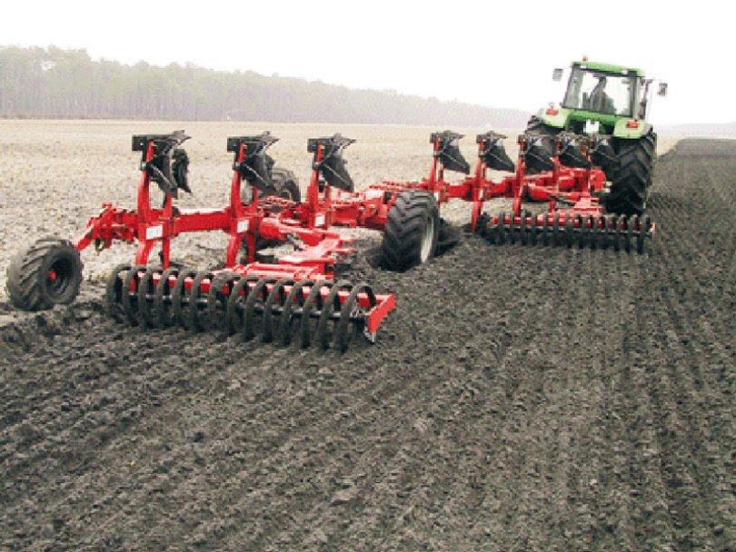 zemjodelcite da se pridrzhuvaat kon pravilata koga upravuvaat so zemjodelskata mehanizacija