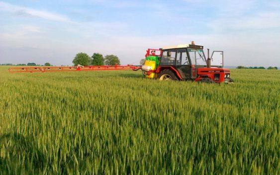 Земјоделците кои имаат фирми ќе можат да увезуваат пестициди и семиња