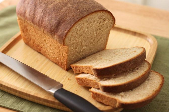 Photo of Како да препознаете дали навистина купувате црн леб или пекарите ве лажат?