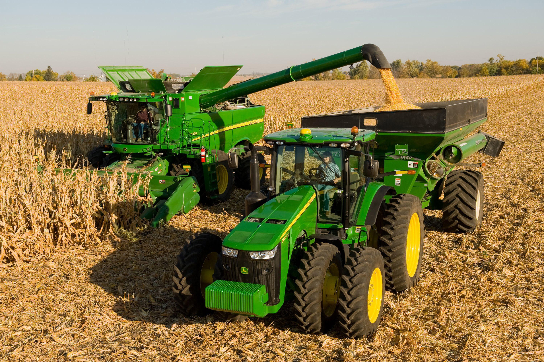 Photo of Во Кочани презентирани новите машини за жнеење на оризот и сецкање на сламата