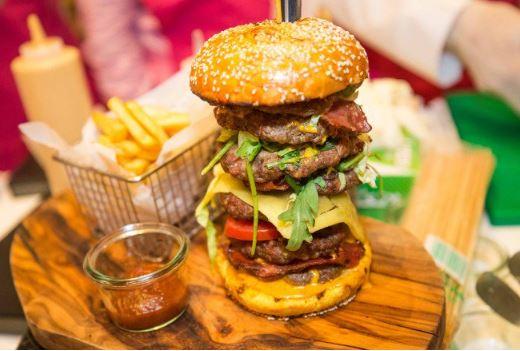 Photo of Хамбургер продаден за неверојатни 10.000 долари
