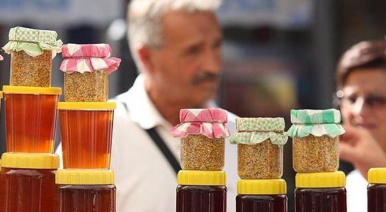 АХВ да го провери квалитетот на медот во маркетите, бараат пчеларите