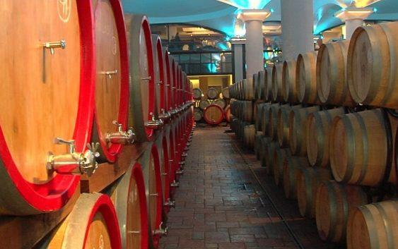 """""""Повардарие"""" и три помали винарии ја загубија лиценцата за откуп"""