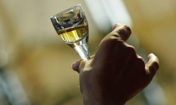 """Photo of Колку вино ем ракија испиле Македонците лани од """"Тиквеш""""?"""