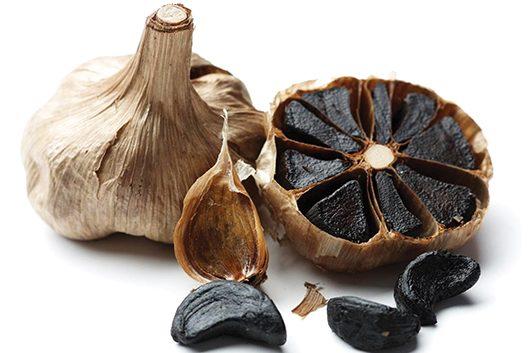 Црн лук- бел лук со црна боја