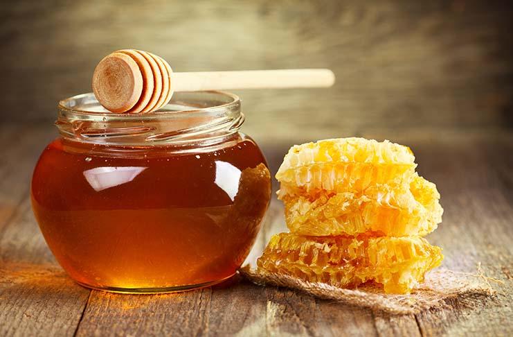 Photo of Евтиниот мед во маркетите содржи гликоза, предупредуваат пчеларите