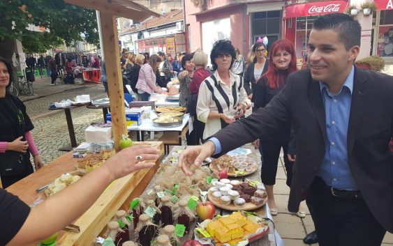 Министерот Николовски најави изнаоѓање на нови пазари за извоз на македонските јаболка