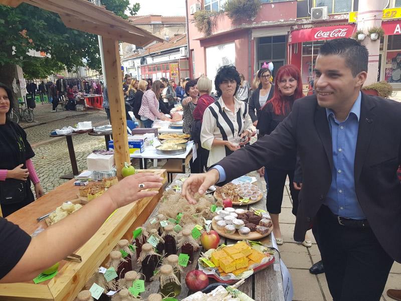 Photo of Министерот Николовски најави изнаоѓање на нови пазари за извоз на македонските јаболка