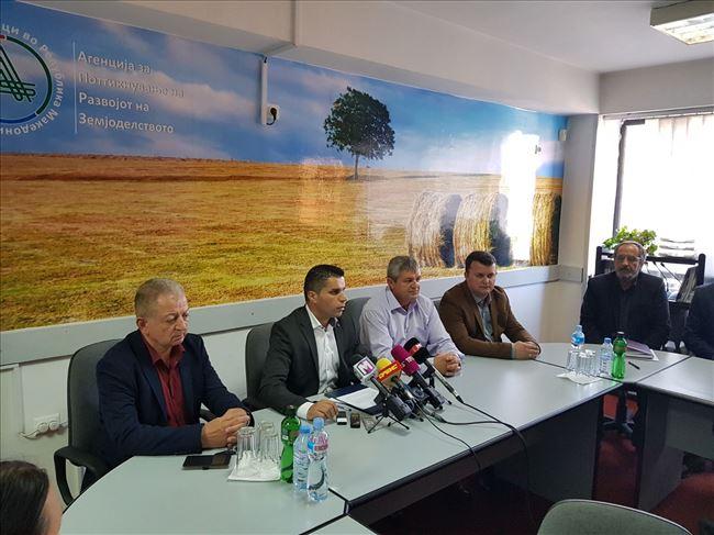 Photo of Николовски: Нема развој на земјоделството без едуцирани земјоделци