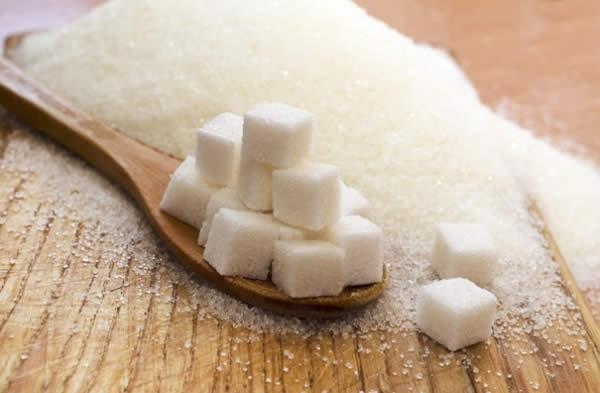 """Photo of Научниците тврдат: Шеќерот ги """"буди"""" клетките на ракот и го прави поагресивен"""