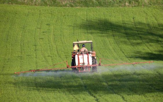 Николовски ветува зелена нафта за земјоделците