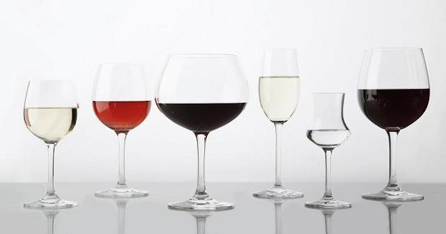 Photo of Како правилно да ги измиете омилените чаши за вино