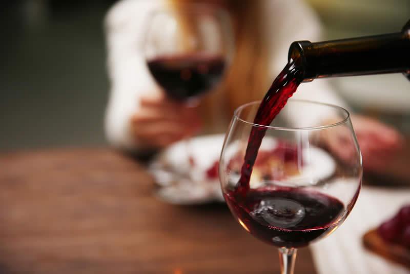 Photo of Како да препознаете дека виното е расипано?