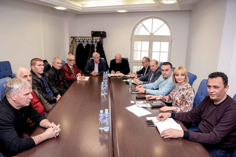 Photo of Средба на владини претставници со откупувачите на јагнешко месо