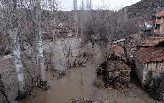 Земјоделците да ги пријавуваат штетите од поплавените посеви