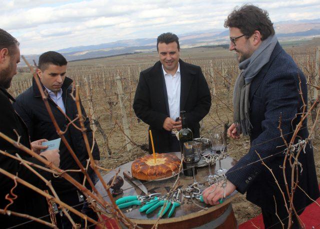 Photo of Заев: Ги охрабрувам земјоделците да сметаат на партнерството во Владата