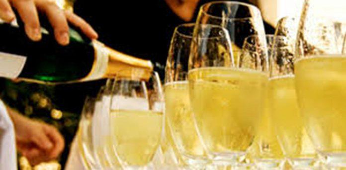 """Photo of Франција заработи 4,9 милијарди евра од продажба на """"Шампањ"""""""