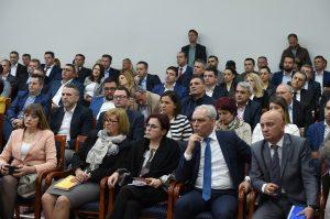 Photo of Николовски: Со мерките од Програмата за рурален развој, ќе обезбедиме достоинствен живот за граѓаните од сите рурални средини