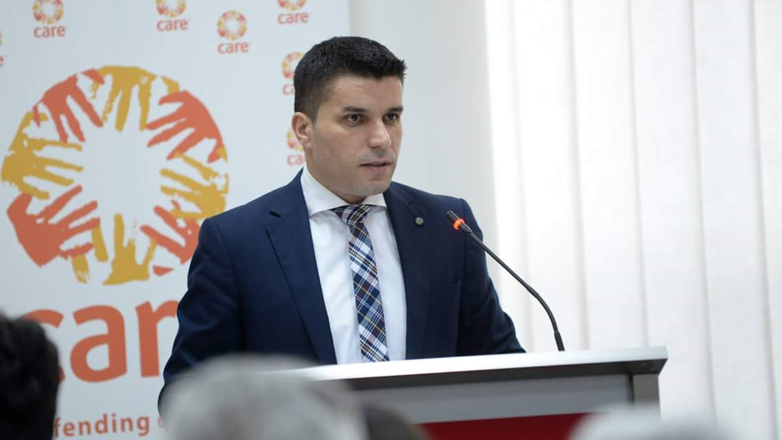 Photo of Николовски: Лозарите мора да ги добијат тешко заработените пари