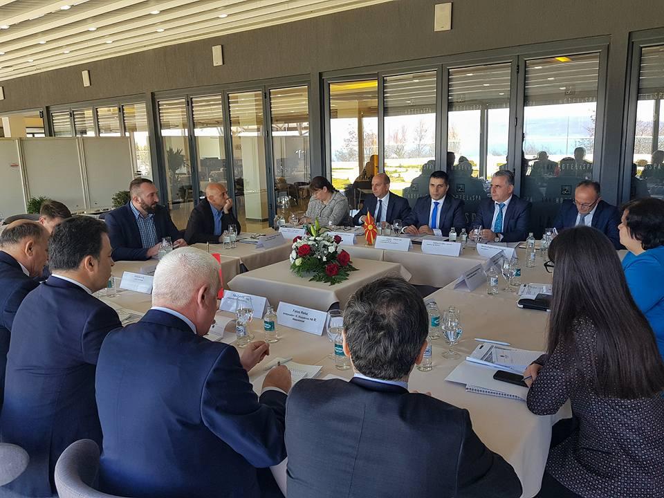 Photo of Николовски-Пелеши: Формирање работни групи за унапредување на трговската размена