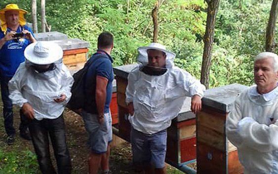 Пчелари од Малта во посета на дебарскиот регион