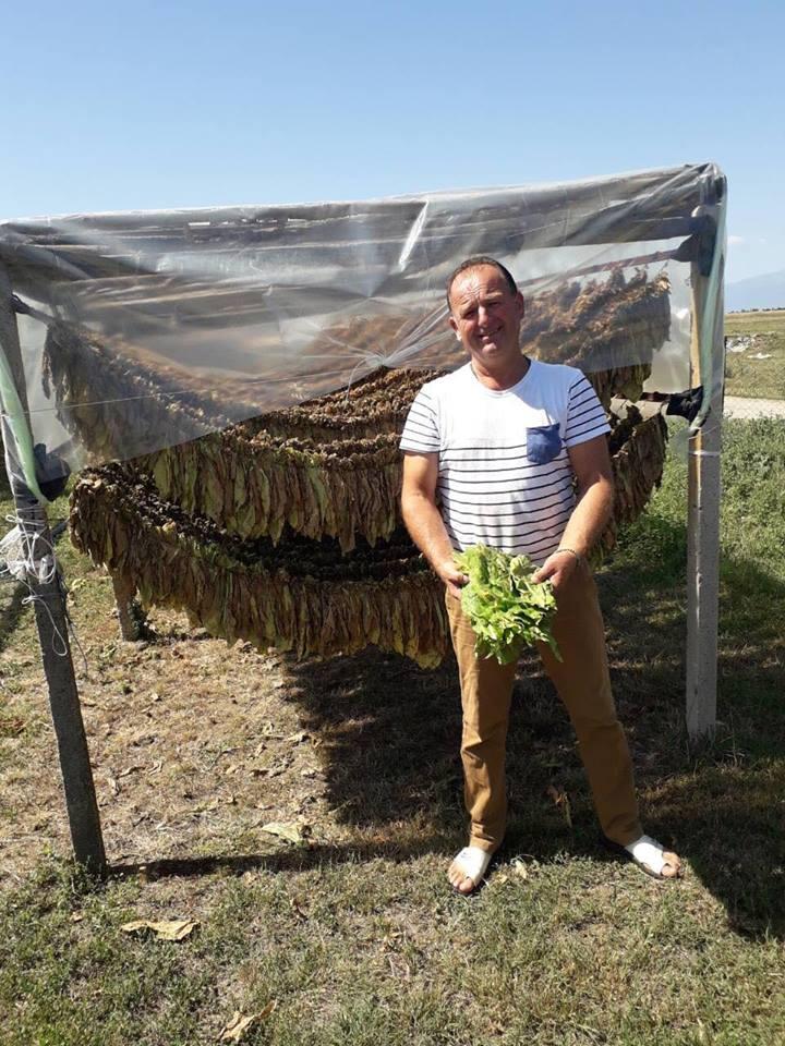 Photo of Пламеница се заканува да го уништи тутунот, а земјоделците не можат да го осигурат родот, се жали тутунарот Јоце Здравески од Мусинци