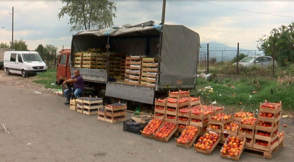 Photo of Земјоделците бараат контра мерки, министерството се надева дека Косово ќе попушти