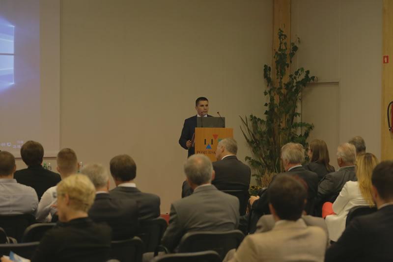 Photo of Се зголемува трговската размена меѓу Р. Македонија и Р Словенија