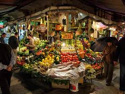 Photo of АХВ: Храната на пазарите редовно се контролира, не купувајте млечни производи од тезга