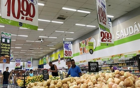 Растот на понудата доведе до најголем пад на светските цени на храната