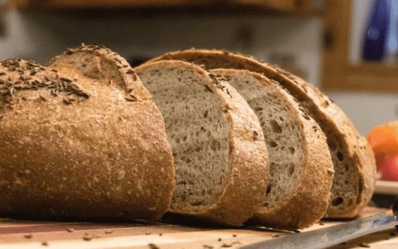 Македонец најмногу сака леб, газирано и цигари