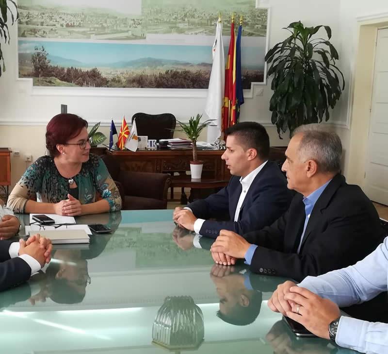 Photo of Министерот Николовски се сретна со градоначалничката на Битола Наташа Петровска
