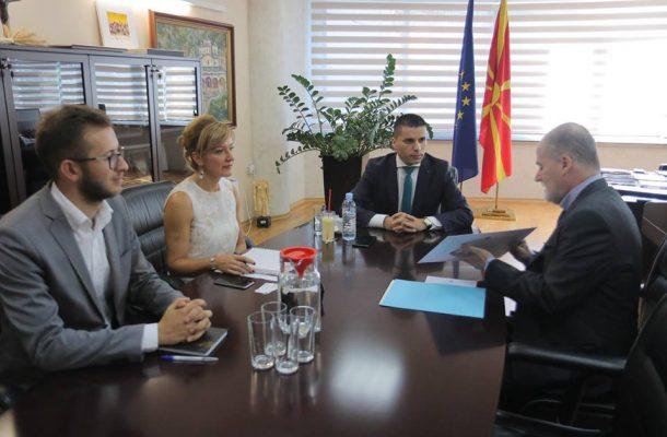 Photo of Средба Николовски-Лорензо Сера: Шпанскиот пазар отворен за македонските производи