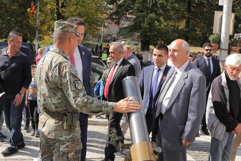 Photo of Министерот Николовски доби награда за особен придонес за развој на Крива Паланка