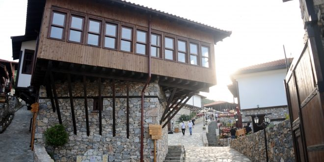 Photo of Владата ќе го спасува комплексот Македонско село
