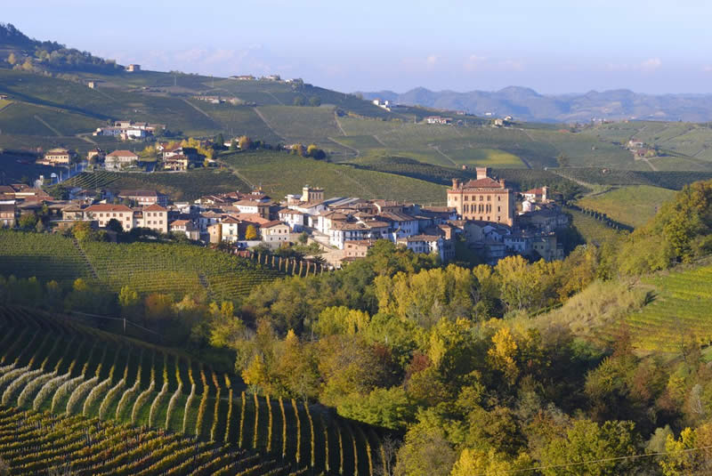 Photo of Италијанската влада сака да дели бесплатно земјиште за семејствата со три деца