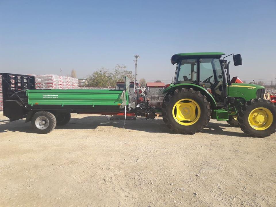 Photo of Моќниот трактор John Deere 5075 3Б стигна и на македонскиот пазар