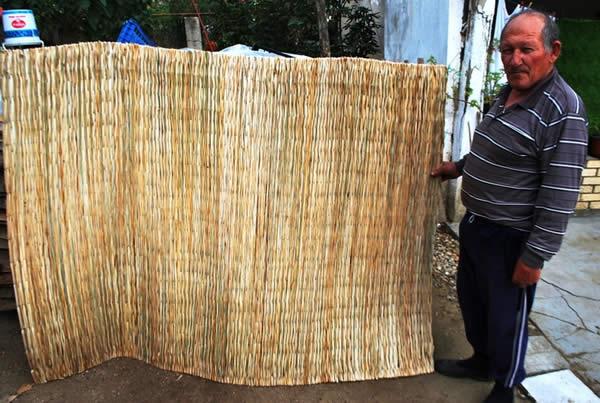 Photo of Трската од Моноспитовско Блато сѐ уште плете рогозини и леси