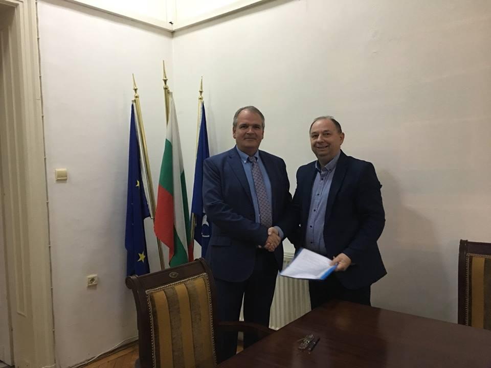 Photo of Потпишан договор за доделување на неповратна финансиска помош од Р.Бугарија
