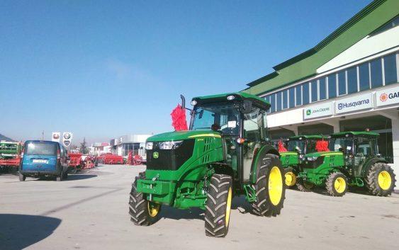 Најново од John Deere трактори5075 од 5GF серијата