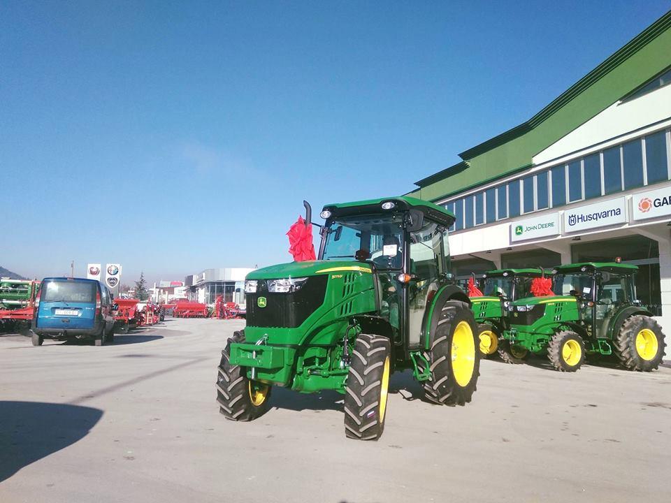 Photo of Најново од John Deere трактори5075 од 5GF серијата