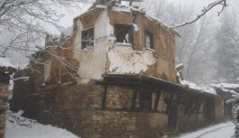 Гопеш – Некогаш развиено гратче, денес напуштено село
