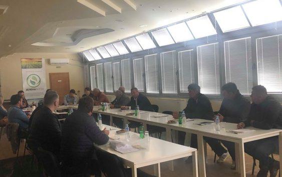 """Земјоделците од """"Зелена берза"""" формираа Советодавно тело кое пред институциите и јавноста ќе нуди и бара решенија за земјоделските маки"""