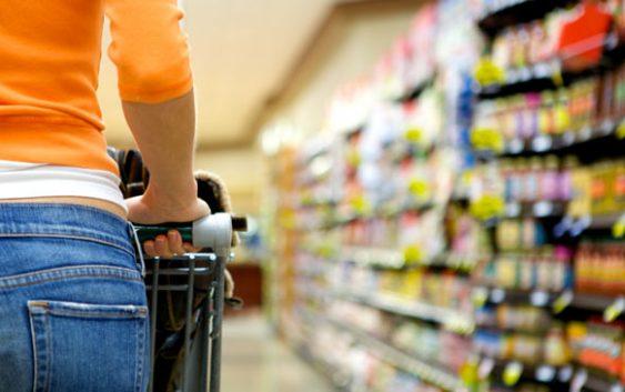 Доматите со цените едвај достапни за граѓаните во месец март